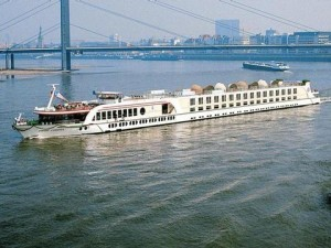 River Cruise Jobs with Scylla Tours
